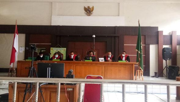 Majelis Hakim : Mau Adil, Siapa Saja Terlibat Korupsi Masjid Sriwijaya Masukan Semua!