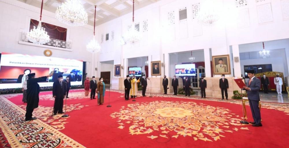 Presiden Jokowi Lantik Megawati Sebagai Ketua Dewan Pengarah Badan Riset dan Inovasi Nasional