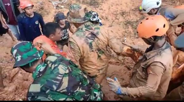4 Warga Tewas Akibat Banjir Bandang dan Longsor di Luwu