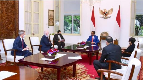 Bertemu Wakil Presiden Uni Eropa, Jokowi Sampaikan Komitmen Indonesia Atasi Perubahan Iklim