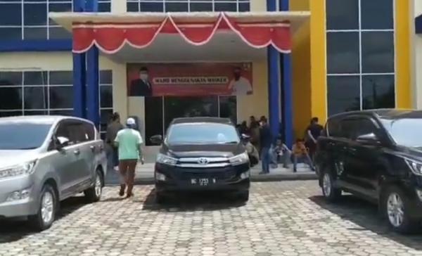 Datangi Muba, Penyidik KPK Geledah Dinas PUPR