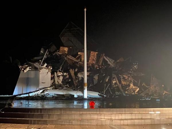 Diguncang Gempa M6,2 Kantor Gubernur Sulbar Ambruk