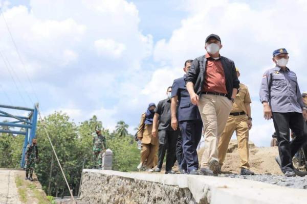 Gubernur HD Tinjau Banjir OKU, Jembatan Putus Segera Diperbaiki