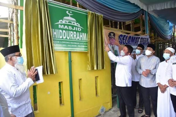 Herman Deru Resmikan Masjid Tauhiddurahman di Kalidoni
