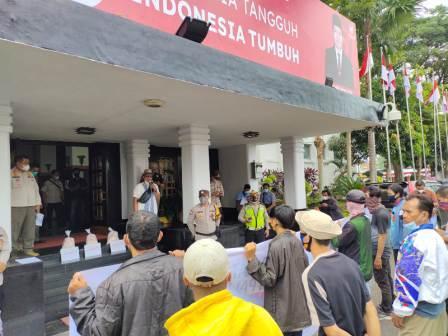 JCMP Sindir Pemkot Palembang dengan Bantuan Paket Sembako
