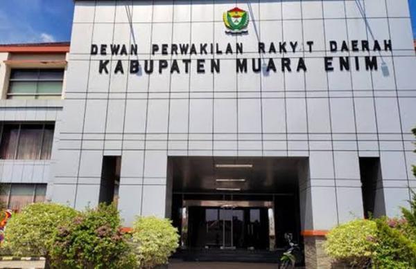 KPK Tetapkan 10 Orang Anggota DPRD Muara Enim Tersangka Dugaan Suap 16 Paket Proyek