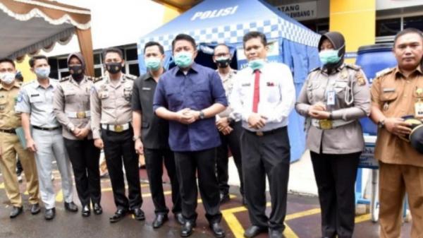 Kebijakan Penghapusan Denda Pajak Diperpanjang, HD Tinjau Langsung Pelayanan Kantor Samsat Palembang