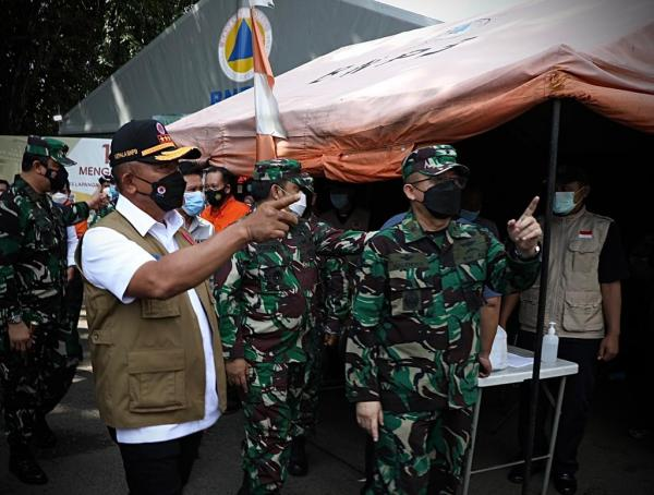 Ketua Satgas Pastikan Kesiapan Antisipasi Lonjakan Kasus Covid-19 dari Bangkalan dan Repatriasi PMI