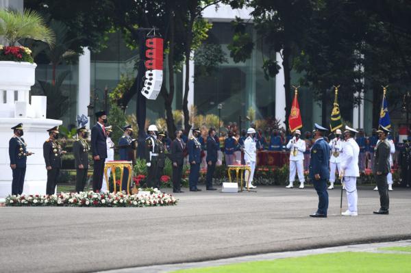 Presiden Apresiasi Peran Besar TNI dalam Keberhasilan Penanganan Pandemi