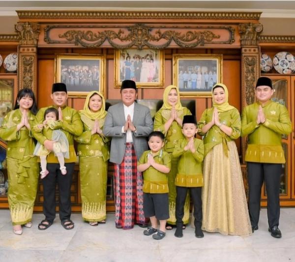 Sholat Ied di Rumah, Herman Deru dan Keluarga Ucapkan Selamat Idul Fitri 1442 Hijriah