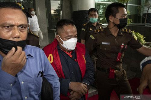 Usai Cek Kesehatan Ahmad Nasuhi Kembali Dijebloskan ke Rutan Pakjo
